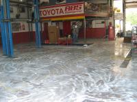 vorher geschliffene Oberfläche, Autowerkstätte