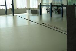 fertige Strukturbeschichtung KFZ Werkstatt
